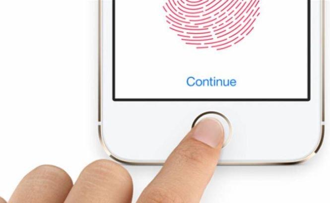 Sistemul de securitate cu amprentă al noului iPhone5S a fost spart