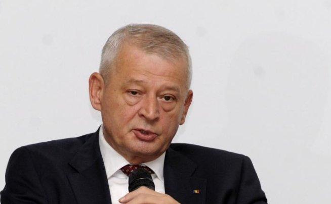 Sorin Oprescu cere serviciilor publice să ia măsurile necesare pentru codul portocaliu de ploi