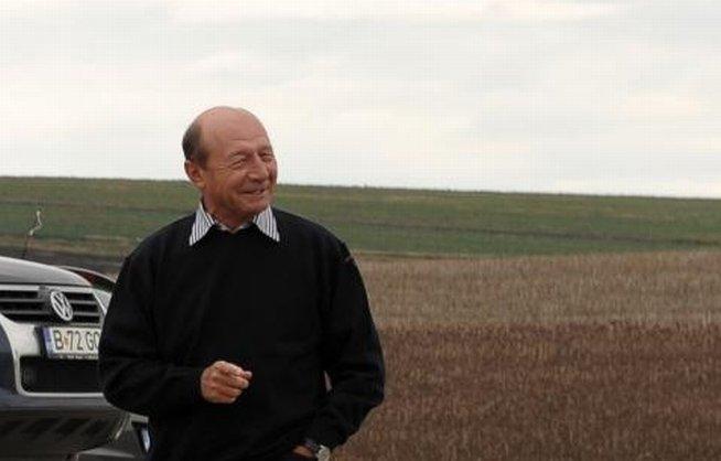Traian Băsescu: Problema Roşia Montană a generat două abordări, ambele MINCINOASE