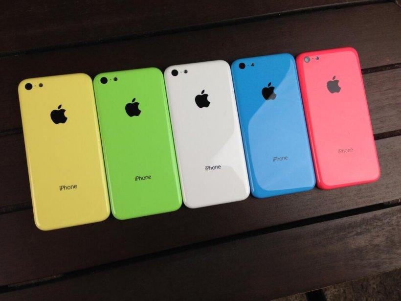 Noul iPhone 5C a ajuns în România. Cât COSTĂ produsul de la Apple