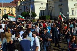 Ciocniri violente între protestatari și poliție la Sofia