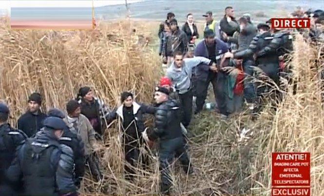 Proteste la Vaslui, faţă de explorarea gazelor de şist. 15 manifestanţi au ajuns la spital