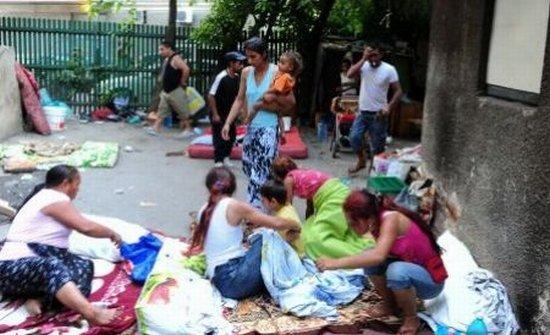 CEDO a condamnat Franţa pentru dispunerea expulzării unor nomazi în 2004