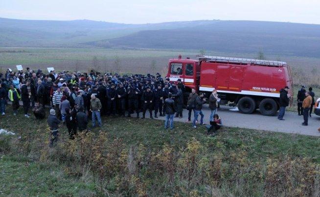 """Protestele CONTINUĂ la Vaslui. """"Pungeşti-Băceşti-Găgeşti pe aici nu se trece"""""""