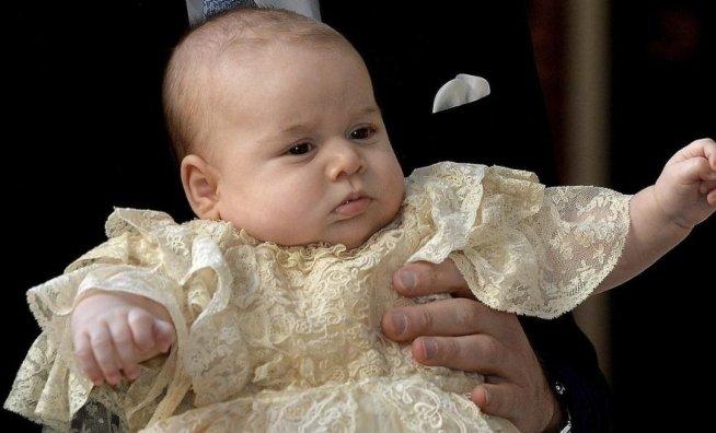 Prinţul George are deja o echipă de fotbal favorită, la nici trei luni de viaţă