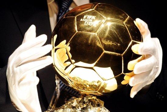 FIFA şi France Football au anunţat lista jucătorilor nominalizaţi pentru Balonul de Aur 2013