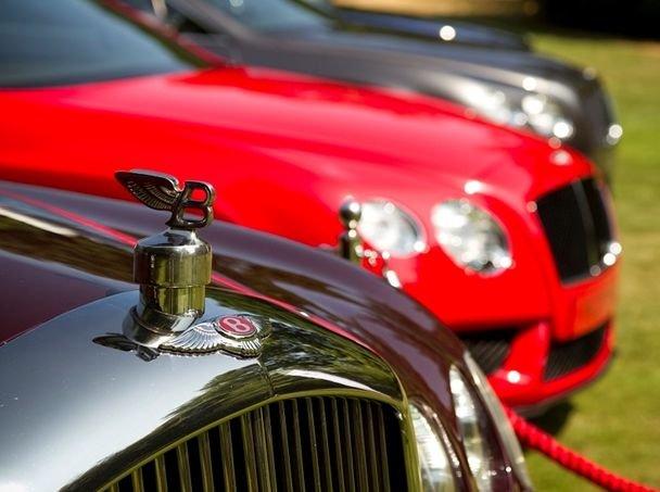 Cinci maşini Bentley au fost furate dintr-un showroom din Berlin