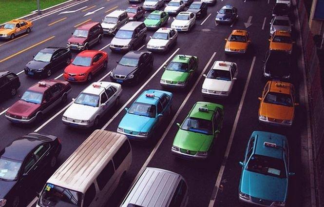 Românii nu-şi mai permit maşini noi. Înmatriculările de autoturisme noi din ţara noastră au înregistrat o scădere de peste 80 %