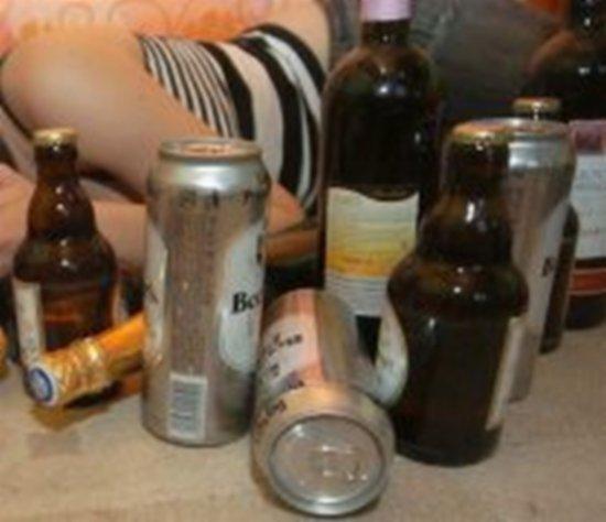 Alcoolicii din Amsterdam primesc băutură, dacă fac muncă în folosul comunităţii