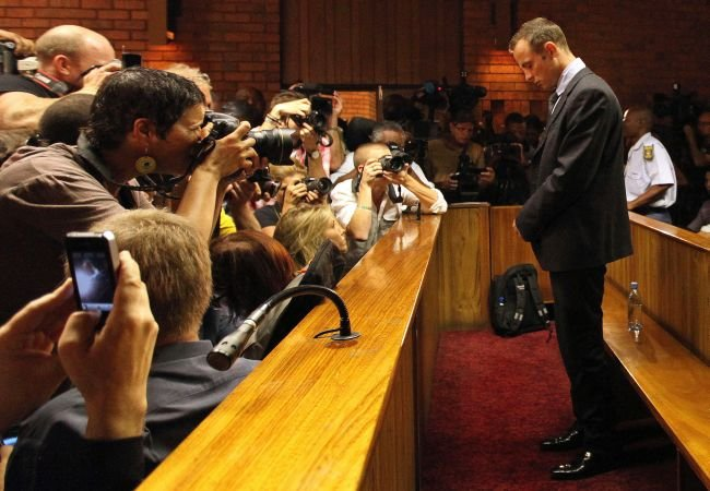 Veste proastă pentru Oscar Pistorius. Este acuzat de mai multe infracţiuni, pe langă acuzaţia de crimă