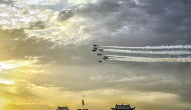 """China FORŢEAZĂ mâna Japoniei şi anunţă crearea unei """"zone de apărare aeriană"""""""