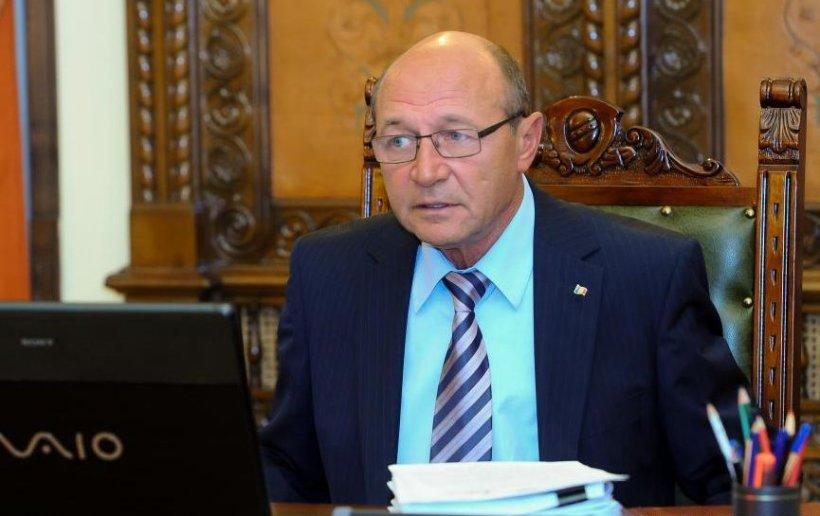 Şedinţa CSAT, convocată de Băsescu în perioada în care Ponta are pregătite întâlniri cu premierii mai multor state