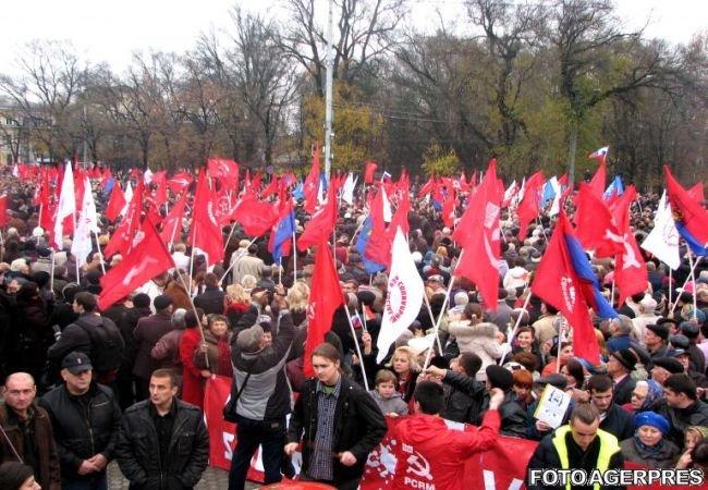 Comuniştii din Republica Moldova protestează faţă de acordurile cu UE