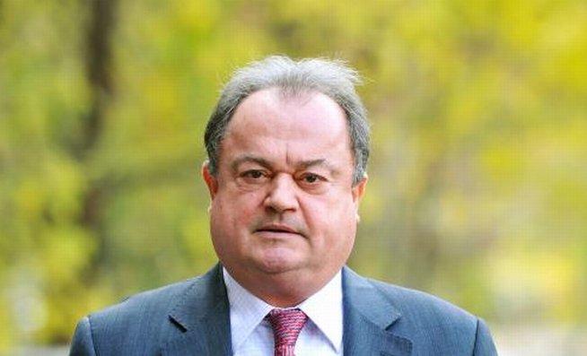 Vasile Blaga: Trebuie să ne încolonăm în spatele interesului naţional indiferent de opţiunile politice