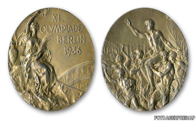 Una dintre medaliile cucerite de Jesse Owens la JO din 1936, scoasă la licitaţie