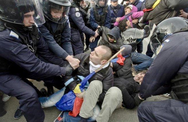 Chevron a depus PLÂNGERE pentru distrugerile provocate de protestatari la Pungeşti