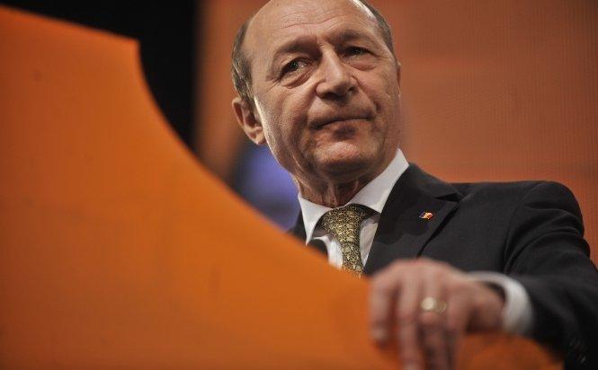 Traian Băsescu recunoaşte că a încălcat legea bancară
