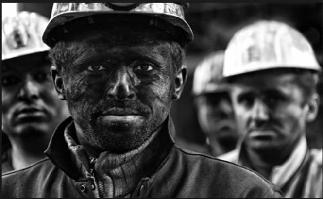 Ianukovici cheamă minerii! Peste 20.000 de persoane din Doneţk vin astăzi la Kiev