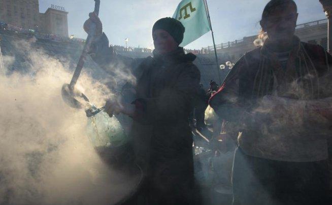Primarul din Kiev a fost REVOCAT din funcţie, pentru dispersarea violentă a manifestanţilor