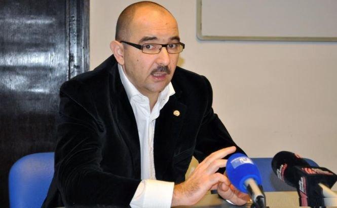 Cei doi foşti manageri ai UCM Reşiţa, Adrian Preda şi Adrian Chebuţiu, au fost arestaţi preventiv