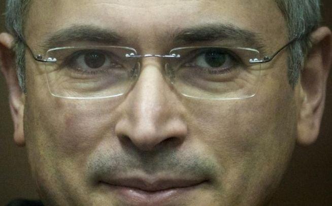 """TEORIE: """"Cancelarul Angela Merkel a avut un rol decisiv în eliberarea lui Hodorkovski"""""""