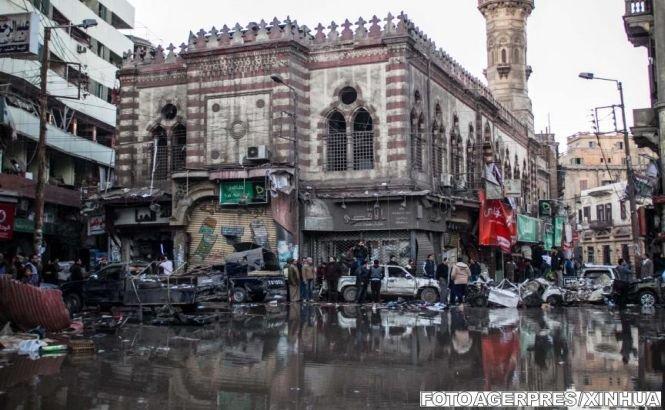 Cel puţin 14 persoane au murit într-un atentat asupra unei clădiri a poliţiei în nordul Egiptului