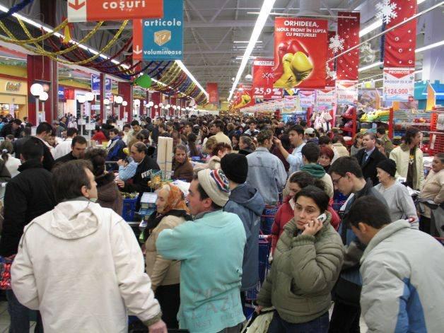 Programul magazinelor de SĂRBĂTORI. Când au ÎNCHIS toate lanţurile de hypermarketuri