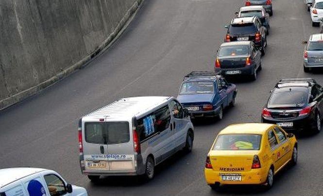 Traficul rutier pe DN 1 a început să se aglomereze în zona staţiunilor de pe Valea Prahovei