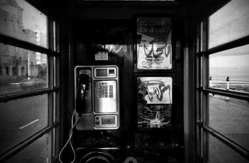 Cabinele telefonice din Praga au un VIITOR STRĂLUCIT. Nu o să-ţi vină să crezi în ce au fost TRANSFORMATE