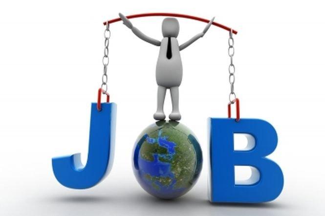 Rata şomajului din Marea Britanie a înregistrat cel mai mare declin trimestrial din 1997