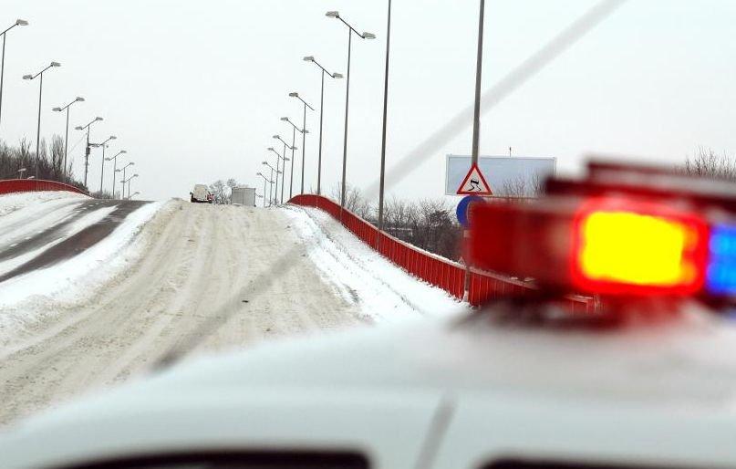 UPDATE. Circulaţia a fost închisă pe A1, A2, A3 şi 16 drumuri naţionale