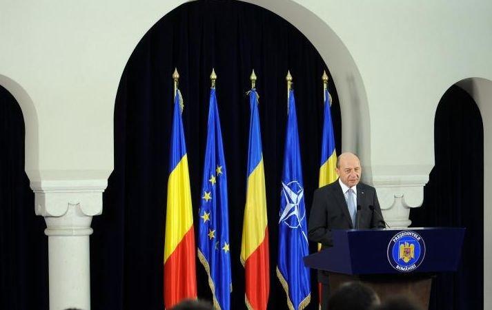 Băsescu: Opriş are o carieră militară şi nu îmi pot permite să îmi bat joc de el de dragul politicului