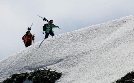 Doi turişti englezi au rămas blocaţi în Masivul Bucegi