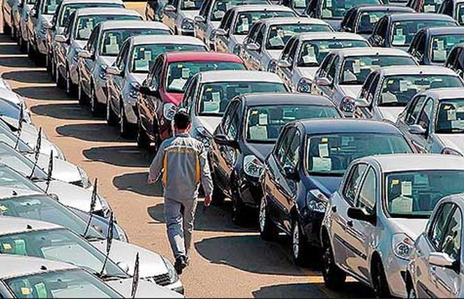 Piaţa auto europeană a înregistrat a cincea lună de creştere consecutivă. Dacia, în topul mărcilor cu cele mai mari vânzări