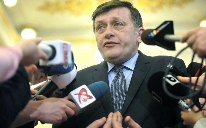 Crin Antonescu: Ori vom avea un guvern USL, ori vom avea un guvern cârpit de Victor Ponta