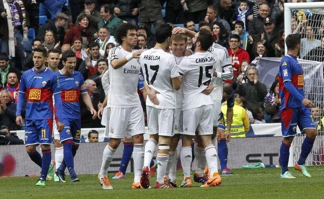 Cotidianul Le Monde, obligat să plătească peste 300.000 de euro cluburilor Real Madrid şi FC Barcelona