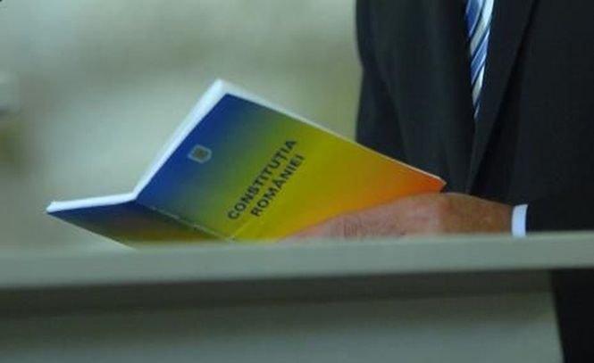 Program politic. Revizuirea Constituţiei şi armonizarea legislaţiei electorale nu mai apar în programul Guvernului Ponta III