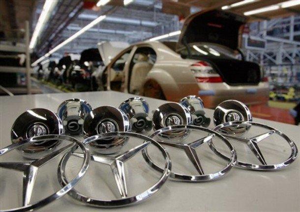 Nemţii care produc Mercedes vin în România. Construiesc o fabrică de 230 de MILIOANE de euro într-un judeţ de la noi