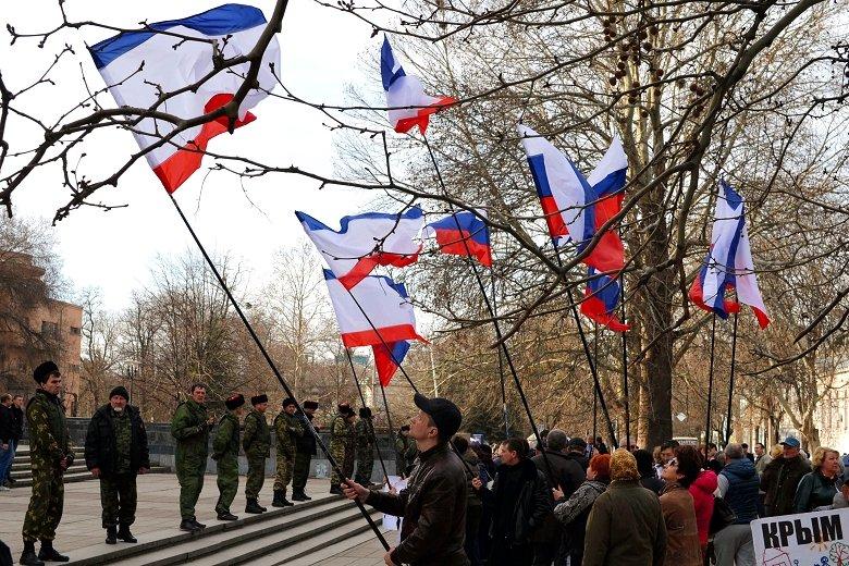 Ce urmează să se întâmple în Crimeea DUPĂ rezultatul zdrobitor de la referendum. Occidentul şi Rusia îşi măsoară forţele