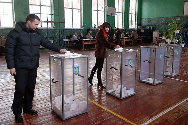 """UCRAINA, în faţa unei alegeri extrem de grele: """"Eu voi lupta până la capăt"""""""