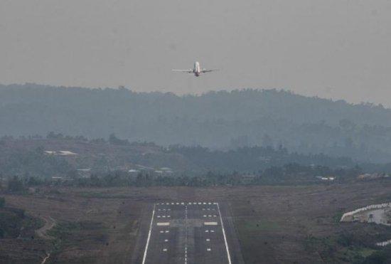 Un avion de mici dimensiuni înmatriculat în Ungaria a aterizat forţat în apropiere de Sibiu