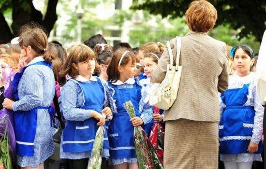 Victor Ponta: Copiii ar putea merge la şcoală de la 5 ani