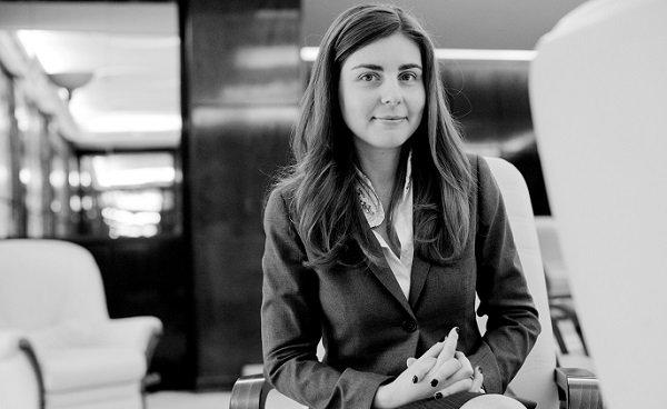 """Ioana Petrescu, ministrul de finanţe al României, foarte optimistă în faţa jurnaliştilor de la REUTERS: """"Vom avea o creştere economică de 3% în acest an"""""""
