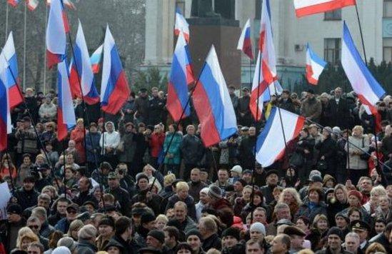 Zeci de persoane, sechestrate de activiştii proruşi în sediul unei instituţii din oraşul ucrainean Lugansk