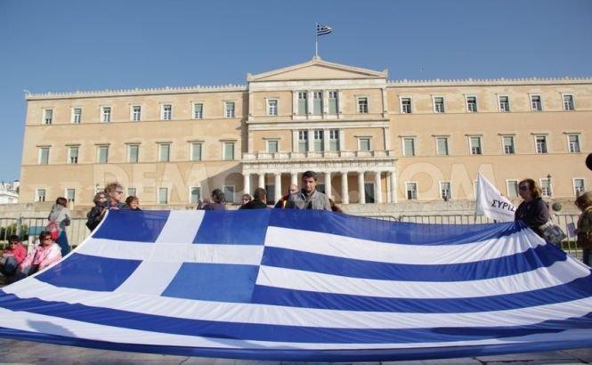 Grecia este PARALIZATĂ de o grevă generală