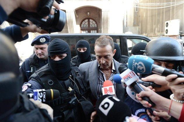 Radu Mazăre şi-a petrecut noaptea în AREST. Procurorii ar putea cere arestarea sa pentru 29 de zile