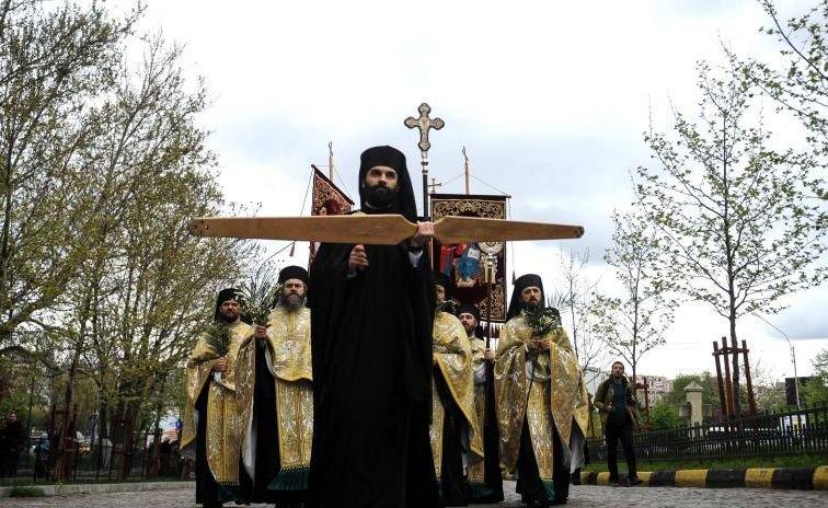 Aproximativ 4.000 de credincioşi şi preoţi au participat la pelerinajul de Florii din Bucureşti
