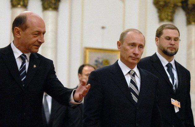 """Rusia ar invada Ucraina numai dacă s-ar ajunge la """"vărsări de sânge masive"""". Cum comentează Băsescu situaţia din Ucraina"""
