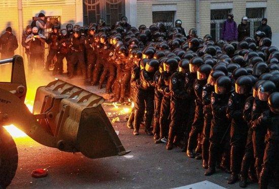"""Kievul ordonă pregătirea de adăposturi antiaeriene. """"'Trebuie garantată securitatea cetăţenilor noştri"""""""
