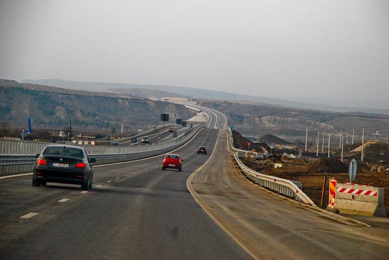 Master Planul lui Şova intră la apă. Cum s-a redus peste noapte numărul de kilometri de autostradă ce urmează să împânzească România